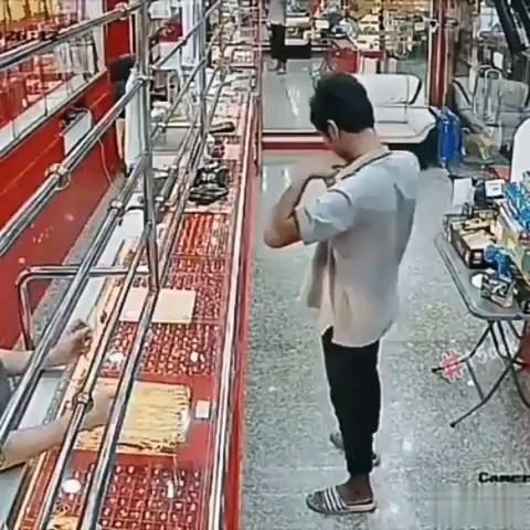 کلیپ خنده دار از دزد بدشانس :)))
