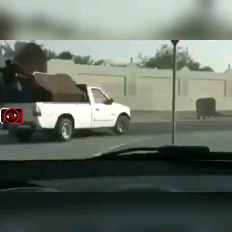وقتی به جای طناب از آدم، استفاده میکنی همین میشه دیگه !