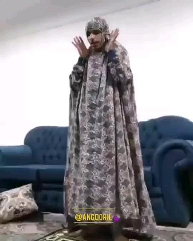 فیلم خنده دار وقتی مامانت داره نماز میخونه و میخای از کیفش پول برداری