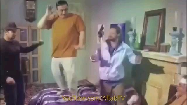 رقصیدن علی صادقی و مهران غفوریان در فیلم خالتور