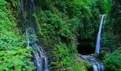 فیلم آبشار دوقلوی زمرد حویق در تالش