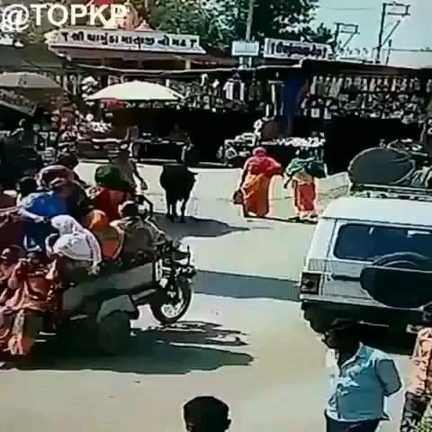 یک روز معمولی در هندوستان :)) | کلیپ طنز خنده دار