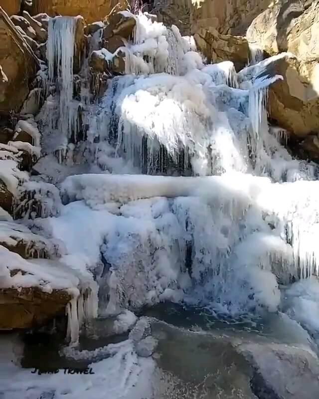 گردشگری دماوند آبشار آینه رود دماوند
