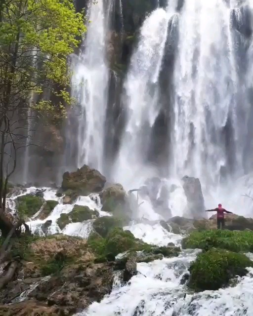 ایرانگردی ، آبشار زرد لیمه چهار محال و بختیاری