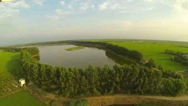 تصویر برداری هوایی از طبیعت بی نظیر مازندران آببندان ها و ساحل زیبای دریا