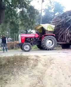 خنده دار وقتی تراکتور رو با ۱۸چرخ اشتباه میگیری :)))