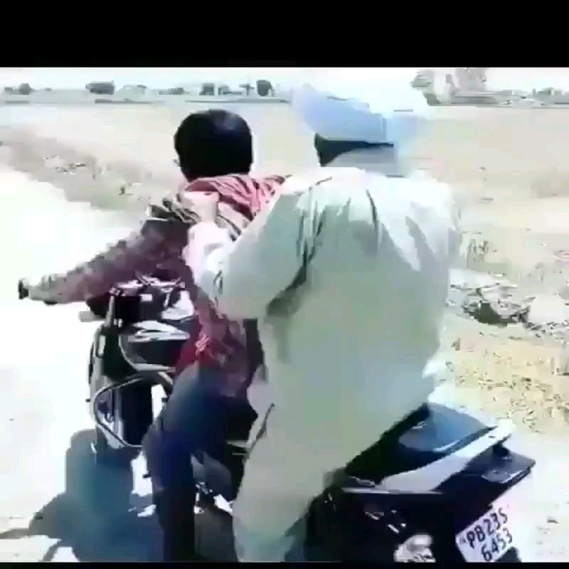 آموزش موتورسواری :))