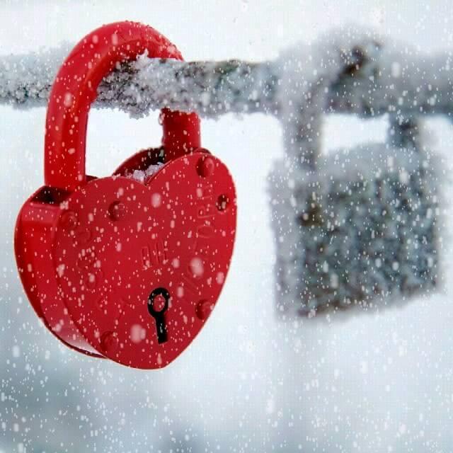 گیف عاشقانه زمستانی