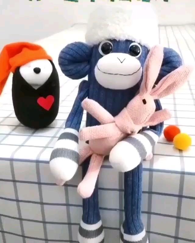 آموزش درست کردن عروسک میمون با جوراب