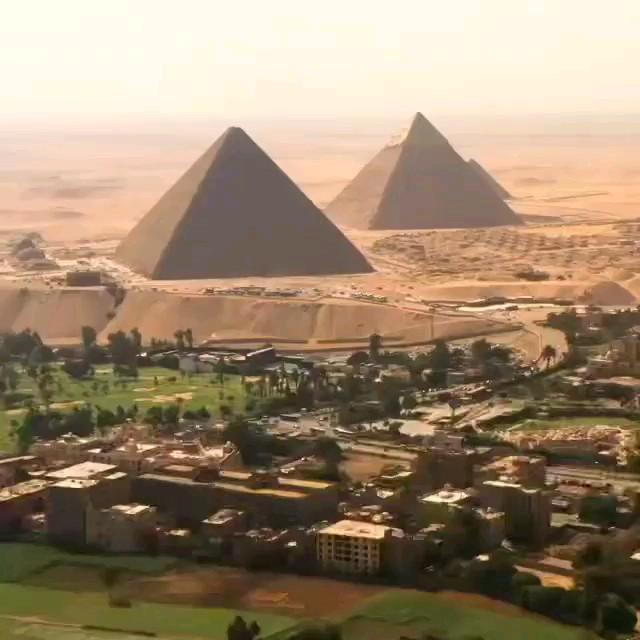 فیلم کوتاه از نمای متفاوت اهرام ثلاثه مصر